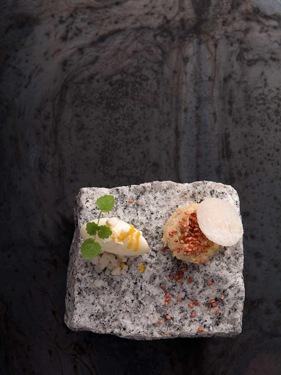 Photographe studio Culinaire Lyon_ Domaine des Séquoias, tourteau au yuzu, sorbet yuzu