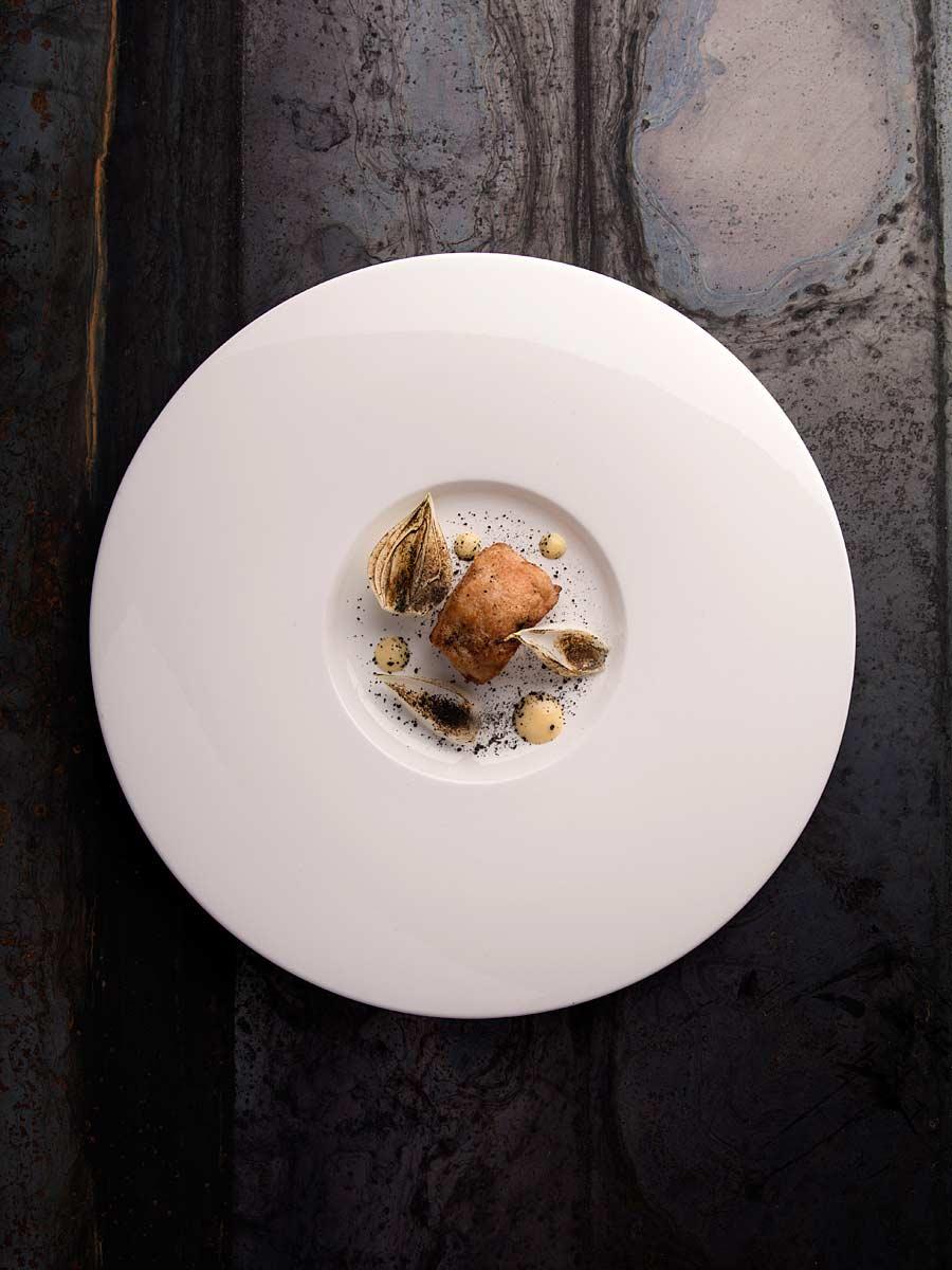 CHERRYSTONE Photographe Culinaire lyon stuio photo _ Domaine des Séquoias, ris de veau déglacé au yuzu