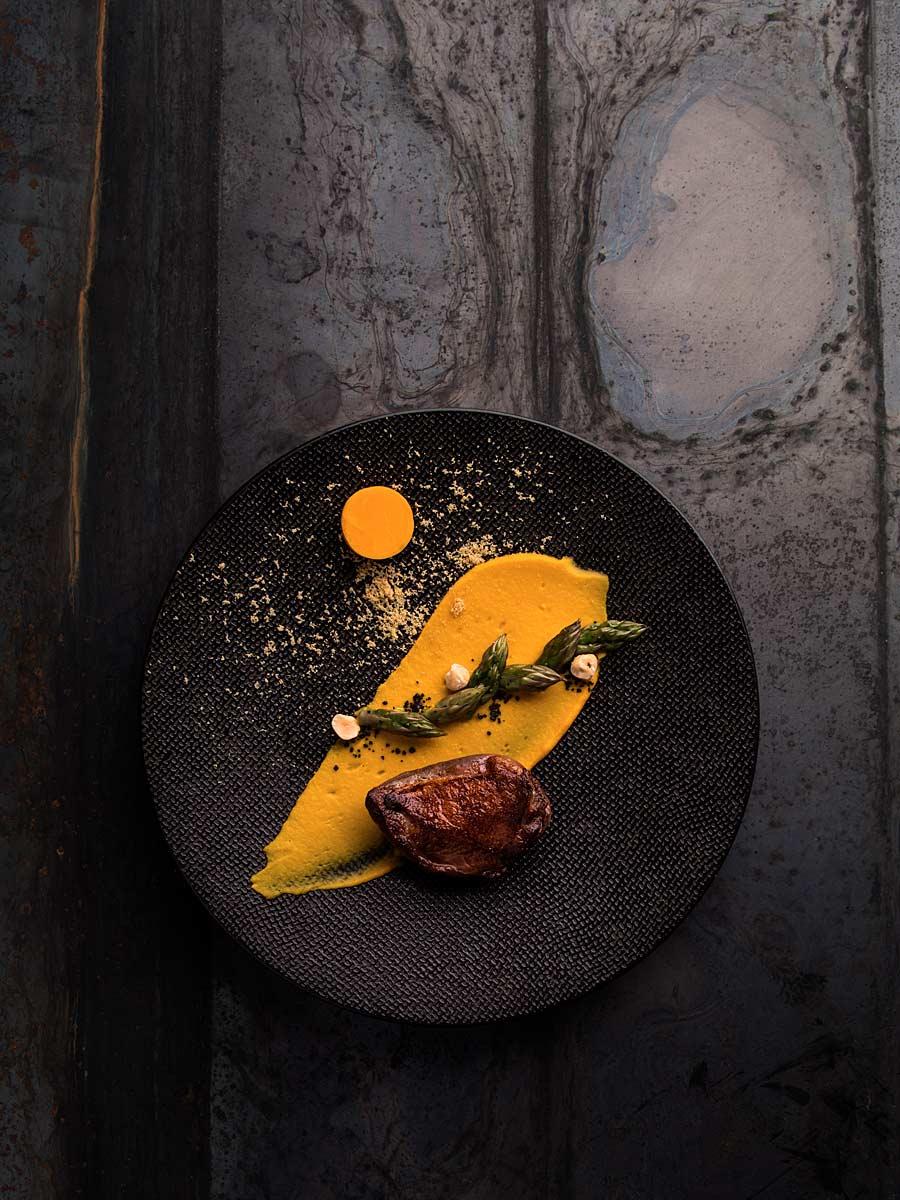 CHERRYSTONE Photographe studio Culinaire Lyon _ Domaine des Séquoias, pigeon laqué au yuzu