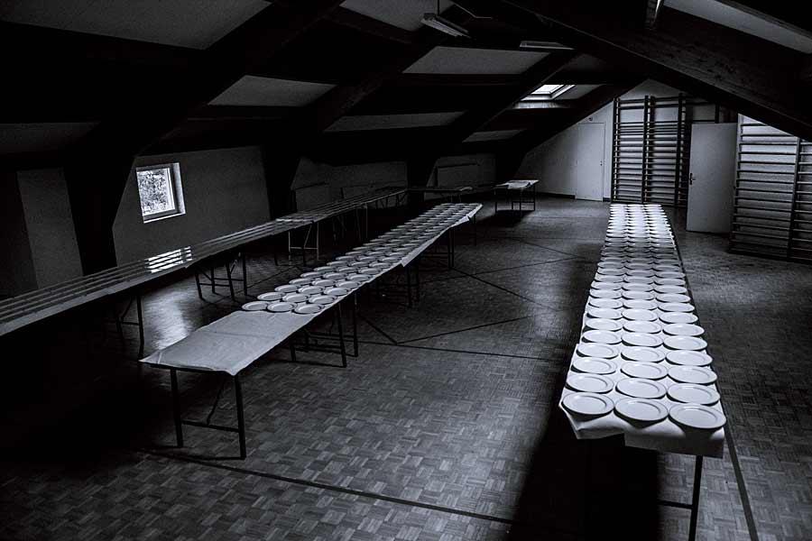 CHERRYSTONE Photographe Culinaire Lyon, préparation des 1300 assiettes à envoyer