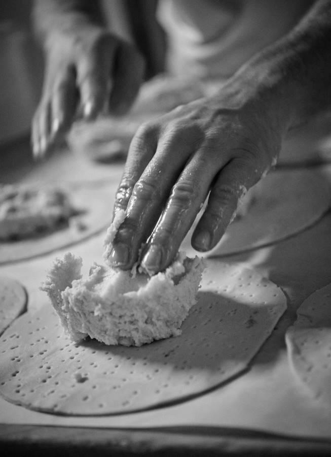 CHERRYSTONE Photographie Culinaire_BOULANGERIE DES CHARTREUX Lyon pétrissage de la pâte