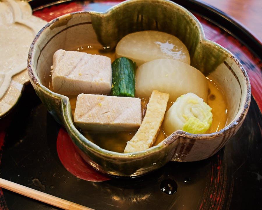 cherrystone photographie culinaire_ tokyo kozue _ yellowtail radis et chou