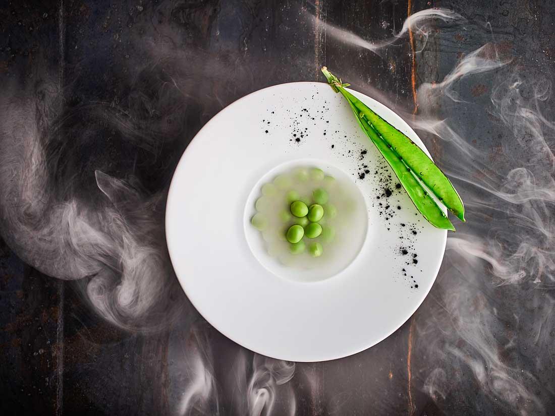 Photos pour le catalogue de vaisselle Ariane Porcelain, design by Vavro