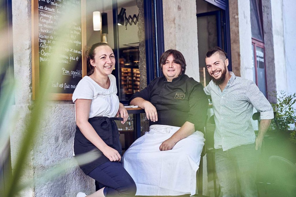 BISTROT-ORCIA-EQUIPE-TERRASSE-CHERRYSTONE-PHOTOGRAPHIE-CULINAIRE